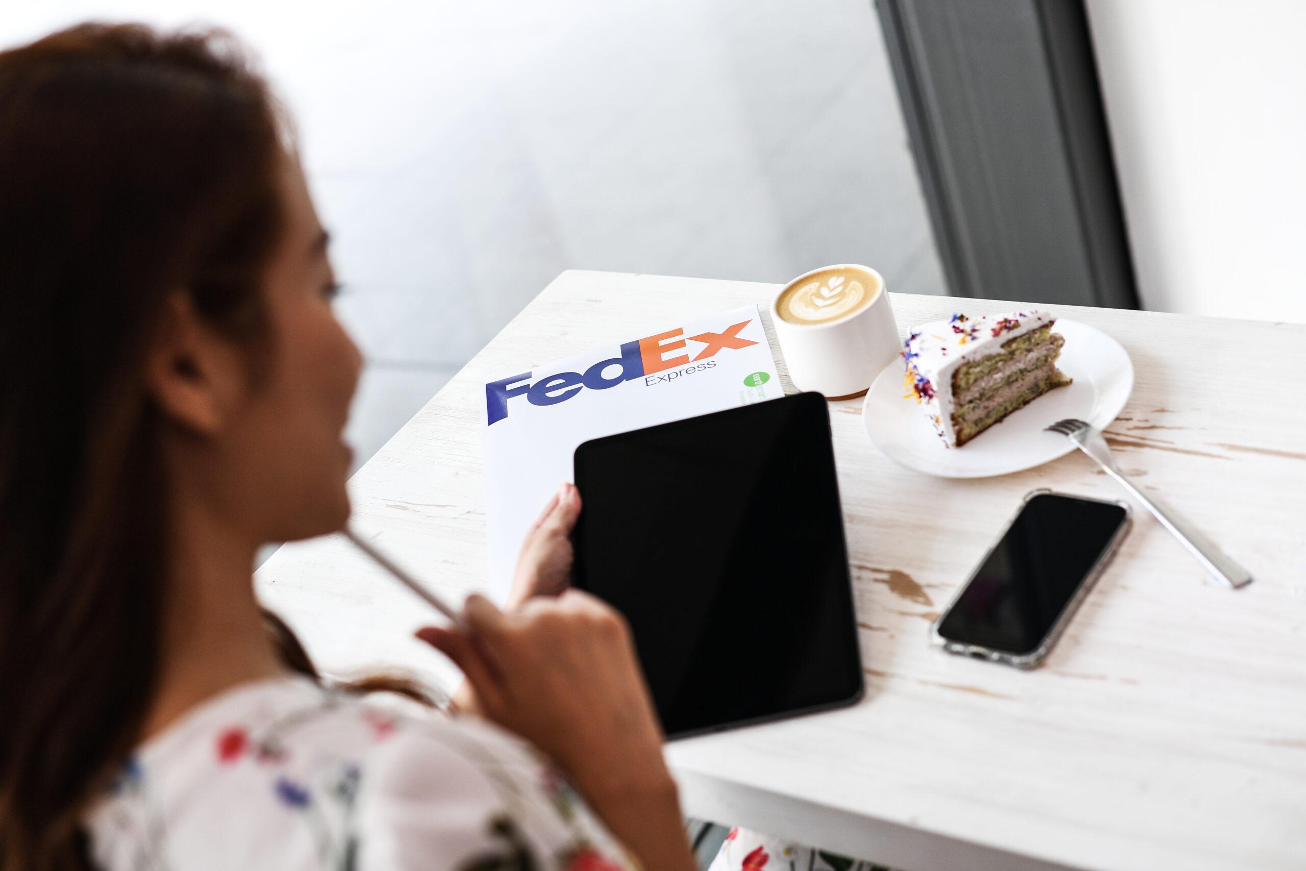 FedEx – Café